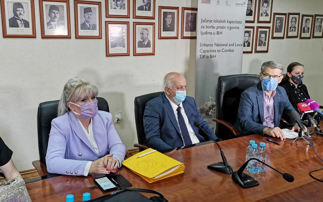 Potpisan Protokol za prevenciju i postupanje u slučajevima prosjačenja i drugih vidova eksploatacije djece u gradu Tuzli